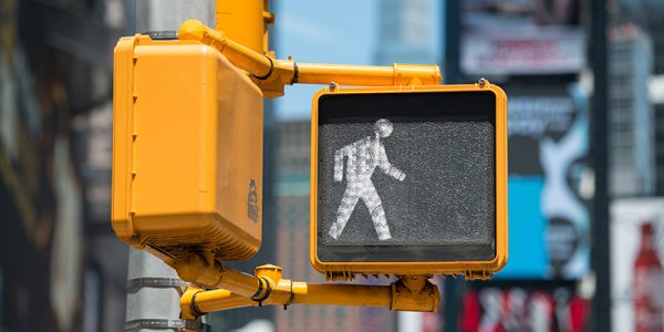 Canva---Pedestrian-traffic-walk-light-on-New-York-City-street